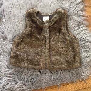 GAP Baby Fur vest in 'Natural' 18-24 Months NWOT